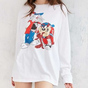 VINTAGE LOONEY TUNES LONG SLEEVE- Size S